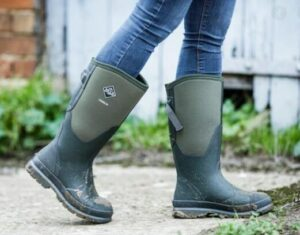 mens rubber boots wide