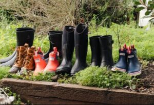 rubber boots for wide feet