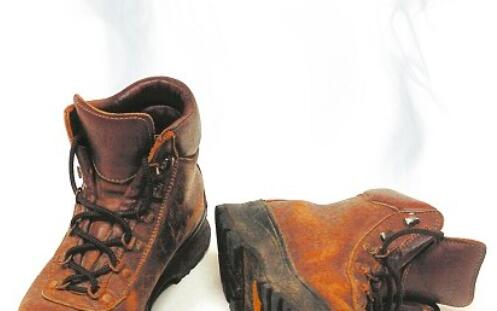 how to eliminate foul smell in hunting boots