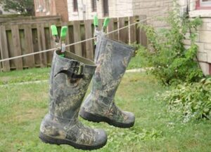 finding foul smell hunting boots