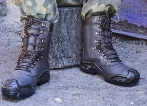 different types of properly fit hunting boots